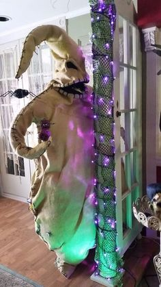 Oogie Boogie Halloween Decoration: 6 Steps (with Pictures) Happy Halloween, Casa Halloween, Halloween Porch, Halloween Town, Holidays Halloween, Scary Halloween Crafts, Halloween Fabric Crafts, Halloween Weddings, Halloween 2020