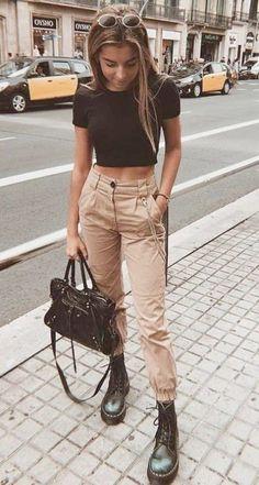 Ein Volta das Calças Cargos - A Volta das Calças Cargo – Sieht aus wie Com Calça Cargo, sieht aus wie Calça Utilitária, sie - Trend Fashion, Summer Fashion Outfits, Casual Fall Outfits, Edgy Outfits, Retro Outfits, Winter Outfits, Classy Outfits For Teens, Casual Winter, Style Fashion