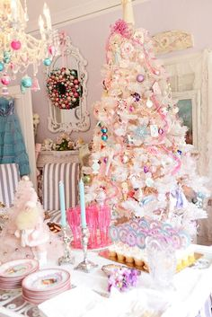 This shabby chic Christmas tree is a perfect kid - friendly tree!
