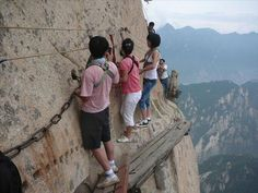 The Most Dangerous Hiking Trail Ever - 30 Pics I would never!