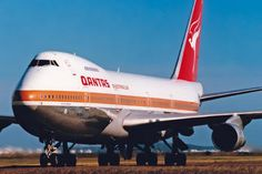 VH-EBN - QANTAS Boeing 747-200 photo (486 views)