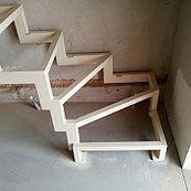 """Лестницы. Каркас на ломаных косоурах с поворотом 90*: продажа, цена в Киеве. лестницы от """"Artforge.com.ua """"Симфония кованых произведений"""""""" - 516093233 #DiseñoDeEscaleras Small Staircase, Loft Staircase, Tiny House Stairs, Attic Stairs, Staircase Design, Spiral Staircase, Escalier Art, Escalier Design, Showroom Interior Design"""
