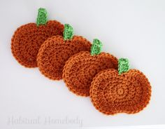 crochet pumpking coasters...nice table accent for the fall!...free pattern!