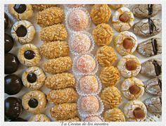 La Cocina de los inventos: Panellets de la Carme Ruscalleda Hispanic Desserts, Spanish Desserts, Carme Ruscalleda, No Bake Desserts, Dessert Recipes, Vegan Truffles, Plum Cake, Halloween Cookies, Arabic Food