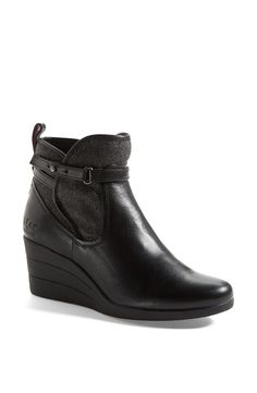 Love the style of these Ugg Australia waterproof leather booties.