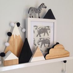 """""""Black ➕ white #shelfie ♥️