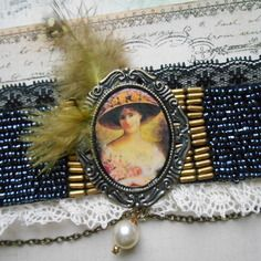 """Bracelet manchette vintage """" élégante au chapeau"""", esprit baroque romantique"""