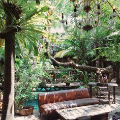 The magical garden at La Favela (Bali) Porches, Outdoor Spaces, Outdoor Living, Garden Bar, Side Garden, Bali Travel, Wanderlust Travel, Rooftop Bar, Decoration