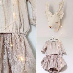 Commandez notre Tutu dentelle Carolina - rose poudre NUMERO 74. Tutu jupe pour enfant, pour un déguisement de princesse moderne vintage et bohème. Tutu esprit danseuse N74. Livraison soignée.