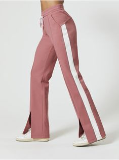 Lisbeth Sweatpants in Dusty Pink Combo - Sporty Outfits Sport Fashion, Fashion Pants, Fashion Outfits, Womens Fashion, Sporty Outfits, Cool Outfits, Bomber Jacket Outfit, Look Blazer, Adidas Outfit