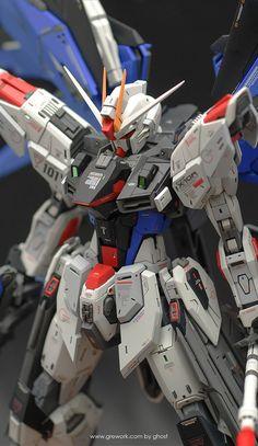 Freedom Gundam - Customized Build Modeled by ghost Gundam Toys, Gundam Art, Strike Gundam, Gundam Wallpapers, Arte Robot, Unicorn Gundam, Gundam Custom Build, Gundam Seed, Gundam Wing