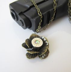 Bullet Jewelry 357 Magnum Rose Necklace by MySmallEscape on Etsy Ammo Jewelry, Antler Jewelry, I Love Jewelry, Jewelry Art, Jewelery, Jewelry Accessories, Jewelry Making, Ammo Crafts, Bullet Crafts