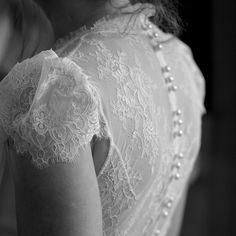 Merci à Marion de nous faire partager cette photo de son magnifique dos en dentelle. Nous sommes ravies que Back to glam ait répondu le jour J à toutes ses attentes ☺️😘-Robe de @elisa.ness 📷 Julie Becker -#merci #ledosestlenouveaudecollete #lingerie #glamgirl #backtoglam #weddingbra #wedding #mariage #soutiengorge #bra #invisiblebra Julie, Photos, Lingerie, Instagram, Lace, Tops, Women, Fashion, Backless Wedding Dresses