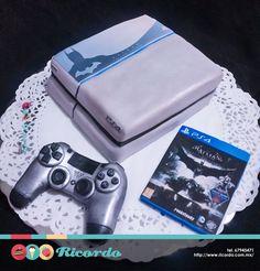 #MiercolesDeGaleria  Playstation 4 Batman Edition  Pastel con decoración 100% comestible. Se puede realizar cualquier edición y juego.  #catalogoRICORDO  #pastel #fondant #fondantcake #playstation4 #ps4 #batman PlayStation™ Network