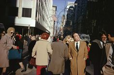 10 fotografías imprescindibles de Joel Meyerowitz(don't shy away from any one group .the objective is to mingle with all  in interactions that  discuss solutions and not address problems as that's already a given)