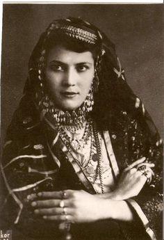 Kazan Tartar woman in Azeri Turkish Wedding Dress.  https://www.pinterest.com/efabricius/vintage-images/