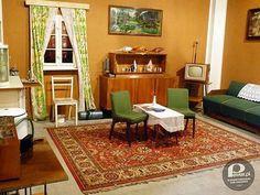 Zdjęcie numer 1 w galerii - 10 przedmiotów z PRL, które musiały się znaleźć w każdym mieszkaniu [PEWEX POLECA]