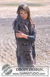 DROPS Long crochet scarf in Eskimo.Lace Sequin - Log Cabin Scarf