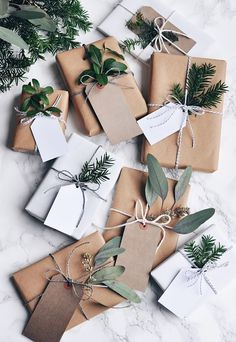 50 Unique Christmas Gift Wrapping: DIY Ideas Get in the holiday spirit! As you're buying gifts, add a personal touch with Unique 50 Christmas gift wrapping ideas! Upcycled Kraft Paper Gift Wrapping Id Christmas Gift Wrapping, Diy Christmas Gifts, Holiday Gifts, Wrapping Gifts, Christmas Ideas, Natural Christmas Decorations, Kraft Wrapping Paper, Christmas Flatlay, Apartment Christmas Decorations