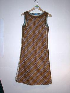 kariertes Kleid mit Samt