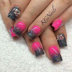 Hot pink and charcoal grey acrylic nails solid reverse bright summer nail designs Green Nail Designs, Diy Nail Designs, Nail Polish Designs, Acrylic Nail Designs, Nails Design, Bright Nail Designs, Grey Acrylic Nails, Faded Nails, Bright Summer Nails