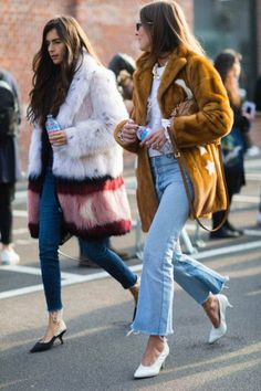 The Best Street Style From Milan Fashion Week Street Chic, Cool Street Fashion, Paris Street, Street Style Looks, Looks Style, Mink Jacket, Fashion Outfits, Womens Fashion, Fashion Trends