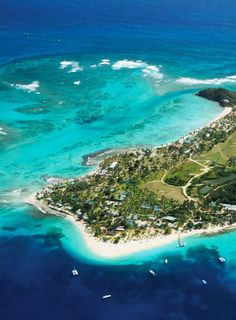 Secluded stay in Saint Vincent and the Grenadines - Caribbean Vacation Destinations, Vacation Spots, Vacations, Iles Grenadines, Places To Travel, Places To Visit, Windward Islands, Southern Caribbean, Beautiful Islands
