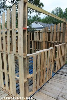 Scrapality: Project: Pallet Shed- Walls and Framing