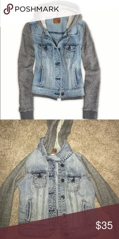 American Eagle denim jacket with hoodie American Eagle xs denim jacket barely worn with grey hoodie #jacket #denim #americaneagle #winter American Eagle by Payless Jackets & Coats Jean Jackets