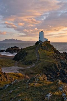 Award-winning landscape photographer Simon Kitchin spent two years travelling around North Wales to take these beautiful images Oh The Places You'll Go, Places To Travel, Places To Visit, Dream Vacations, Vacation Spots, England And Scotland, Le Moulin, British Isles, Landscape Photographers
