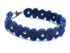 Soutache beaautiful bracelet navy blue gold by DecomamaPoland Soutache Bracelet, Soutache Jewelry, Beaded Jewelry, Handmade Jewelry, Beaded Bracelets, Quilling Jewelry, Jewelry Crafts, Diy Accessoires, Denim Crafts