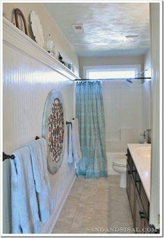 Bead Board Bathroom Reveal Bead Board Bathroom Reveal Pack of 12 Nador White and Grey Handmade Cement Floor and Wall Tiles (Morocco) Bathroom vibes A imagem pode conter: área interna Bath Tub And Shower Upstairs Bathrooms, Small Bathroom, Bathroom Ideas, Cottage Bathrooms, Neutral Bathroom, Bath Ideas, Masculine Bathroom, Bathroom Makeovers, Bathroom Colors
