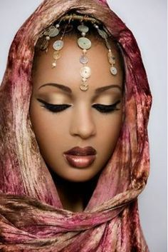 What are some PRETTY wedding makeup looks for dark skin tones? My Black Is Beautiful, Beautiful Eyes, Beautiful People, Simply Beautiful, Beauty Makeup, Eye Makeup, Hair Beauty, Gold Makeup, Dark Skin Makeup