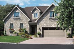 For a traditional, contemporary or carriage house style garage door, Garaga provides various designs, colours and windows for an amazing look. Garage Door Colors, Front Door Paint Colors, Painted Front Doors, Contemporary Garage Doors, Modern Front Door, House Front Door, City Farmhouse, Farmhouse Front, Brown Doors