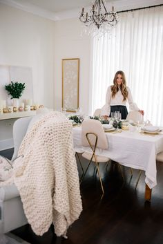 Gal Meets Glam Tablescape For The Holidays - Frontgage decor