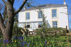 www.aroundaboutbritain.co.uk. Le Vieux Clos Guest House. Rue de Moulin. Sark. UK. Bed and Breakfast. Travel. Stay. Holiday. Dine. Eat. Food. Coast. Explore.