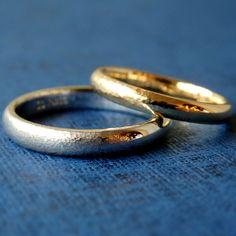 槌目のグラデーションがアクセント [marriage,wedding,ring,bridal,K18,Pt900,マリッジリング,結婚指輪,オーダーメイド,槌目,ウエディング,ith,イズマリッジ]