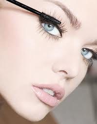 Gorgeous! I love using a thin mascara brush