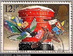 こちらはクリスマスカードを運ぶ色とりどりの鳥たち。少しファンタジーの入った情景が素敵。
