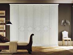 Armadi bianchi. Come scegliere il colore dell'armadio? #consiglicameradaletto #armadi http://www.arredamento.it/notte/armadi/armadio-ante-scorrevoli/armadi-bianchi.html
