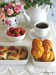 café da manhã/breakfest/desayuno