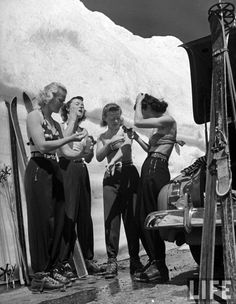 "hollyhocksandtulips: "" Women putting on suntan lotion before summer skiing session at Lassen Volcanic National Park, California. Photo by Peter Stackpole, 1942 "" Ski Fashion, 1940s Fashion, Alpine Skiing, Ski Ski, Nordic Skiing, Alpine Chalet, Vintage Ski Posters, Ski Bunnies, Skier"
