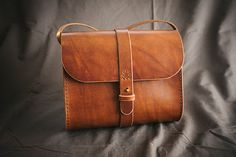 Handmade leather bag. Womans bag. Shoulder bag Please, watch this video to find out how I make products https://www.youtube.com/watch?v=rBPF9RqBy7Q This is a made to order product. But you can also order any color from the proposed. The manufacture of the product according to your