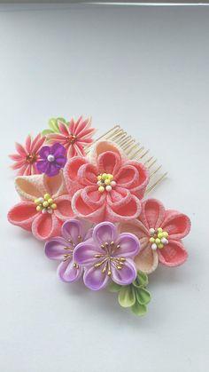 Cloth Flowers, Metal Flowers, Fabric Flowers, Ribbon Art, Fabric Ribbon, Felt Hair Accessories, Ribbon Projects, Kanzashi Flowers, Drawing Techniques
