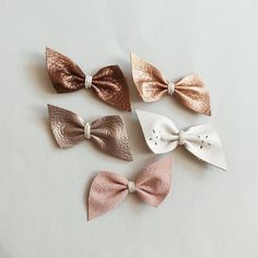 "185 curtidas, 26 comentários - k a i t  + k i d s (@hellokait) no Instagram: ""Spring launch in 2 1/2 hours! These new leather bows are the perfect neutrals! Which one is your…"""