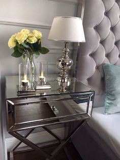 Łóżko tapicerowane stalowe nowoczesne styl nowojorski glamour SPECTRE Glamour Decor, New York Style, Decorating Blogs, My Room, Future House, Entryway Tables, Diy Home Decor, Bedroom Decor, Interior Design