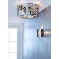 Durch die im Inneren befestigten Glaskristalle wird das Licht dieser hübschen Wandleuchte gebrochen und bringt so Ihr Wohnzimmer zum Strahlen.