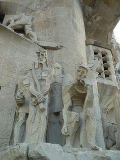 Sagrada familia Gaudi, Barcelona, Greek, Wanderlust, Statue, Art, Sagrada Familia, Architecture, Barcelona Spain