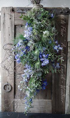 """ Art de la Fleur "" www.artdelafleur7.nl Angelique Temmink Waalboer. Delphinium , Ridderspoor , Asparagus , Toef , Eucalypthus Blue , Floral , Flowers.. Sobere & Landelijke Bloemschik - Workshops , Goedereede. Holland."