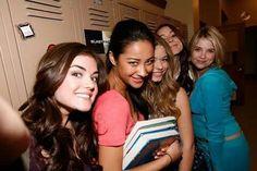 Les filles lors du tournage de la saison 1